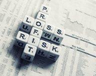 Investování, riziko, zisk, zajištění - ilustrační foto