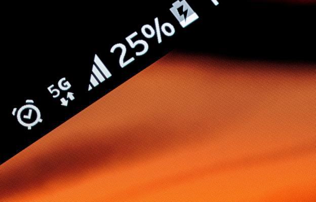 5G, internet, mobilní telefon, telekomunikace - ilustrační foto